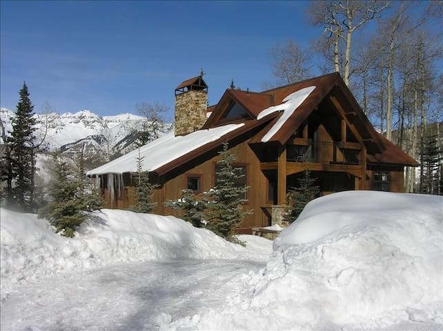 EUREKA! LUXURIOUS  HOME,GREAT LOCATION ,SKI ACCESS - Mountain Village - Huis