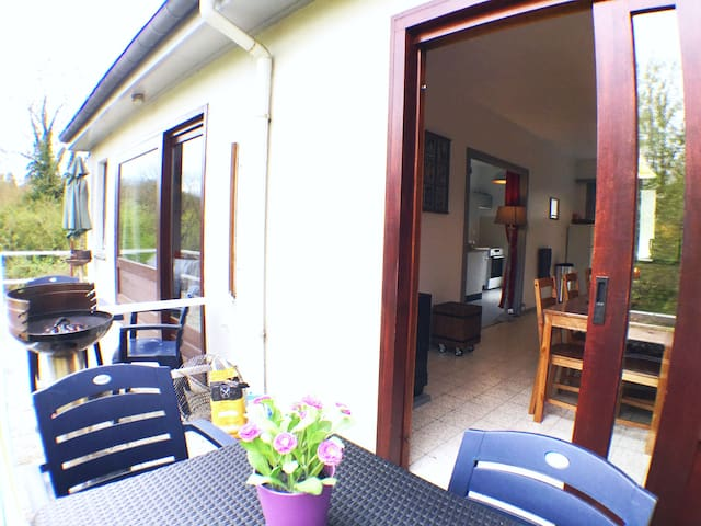 Cosy Mosan Cottage 2 near Dinant - swimming pool
