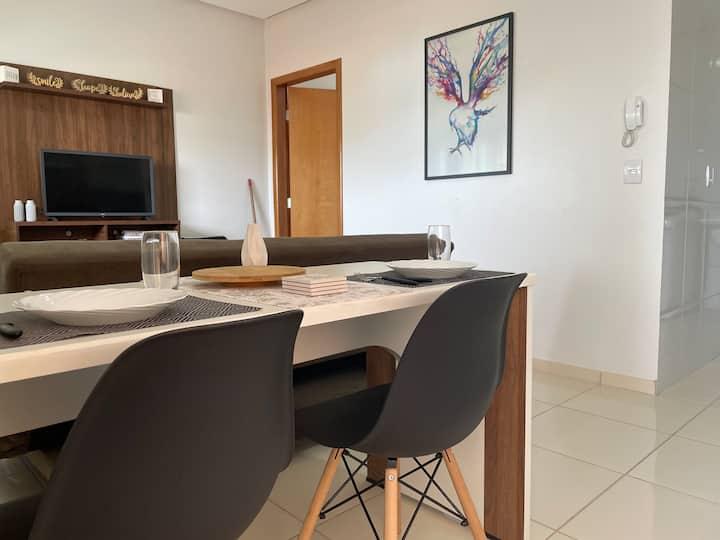 Apartamento completo c/ garagem Centro Anapolis GO