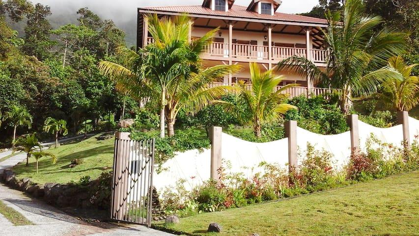Trois Piton Apartments Suite 2 * Nr  Emerald Pool