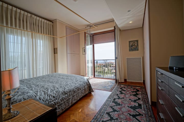 Room 1 -Maria Teresa ( with private bathroom inside the room)