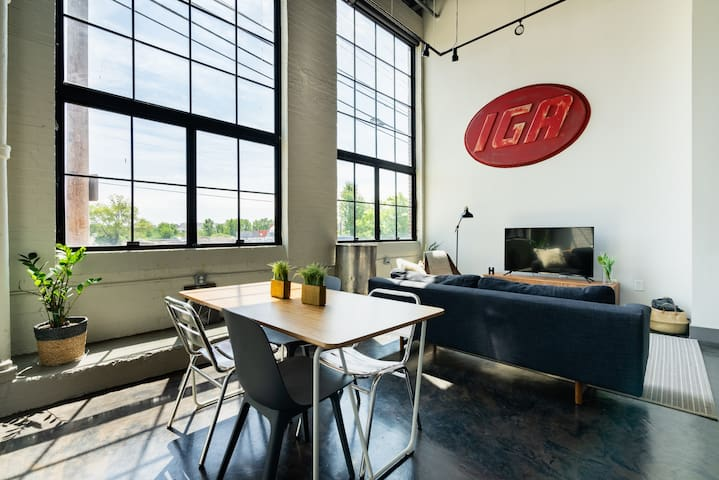 Short North Industrial  Loft - Free Parking!