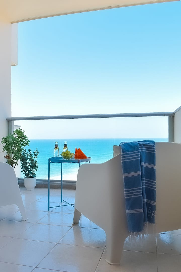 Fantastic One Bedroom With Sea View