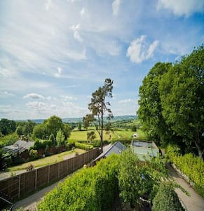 Stunning views over the Axe Valley - Axminster - House