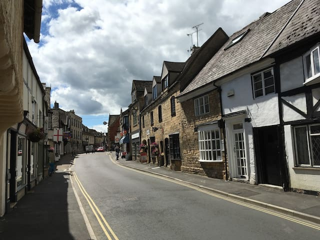 16th Century maisonette in charming Cotswold town - Winchcombe - อพาร์ทเมนท์