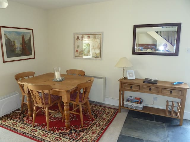 The open plan dining area.