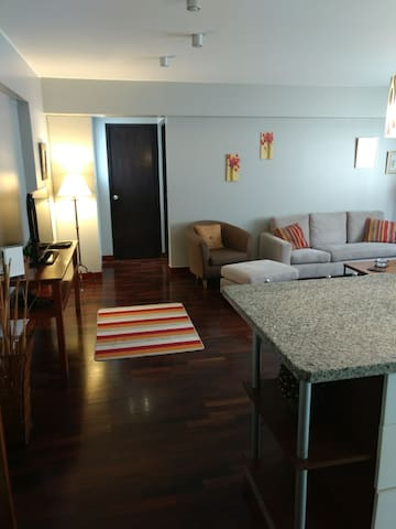Spacious apartment in the heart of Miraflores!