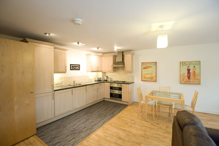 Spacious & Cosy apartment in Newcastle Under Lyme