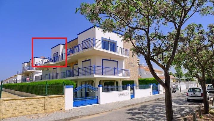 Vista Azul a 20m da Praia, piscina, terraço, estac