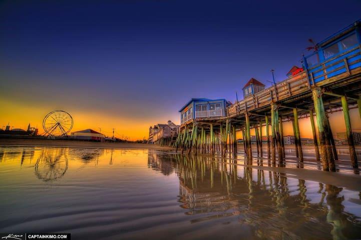 Beach Getaway House *Walk to Beach & Pier*