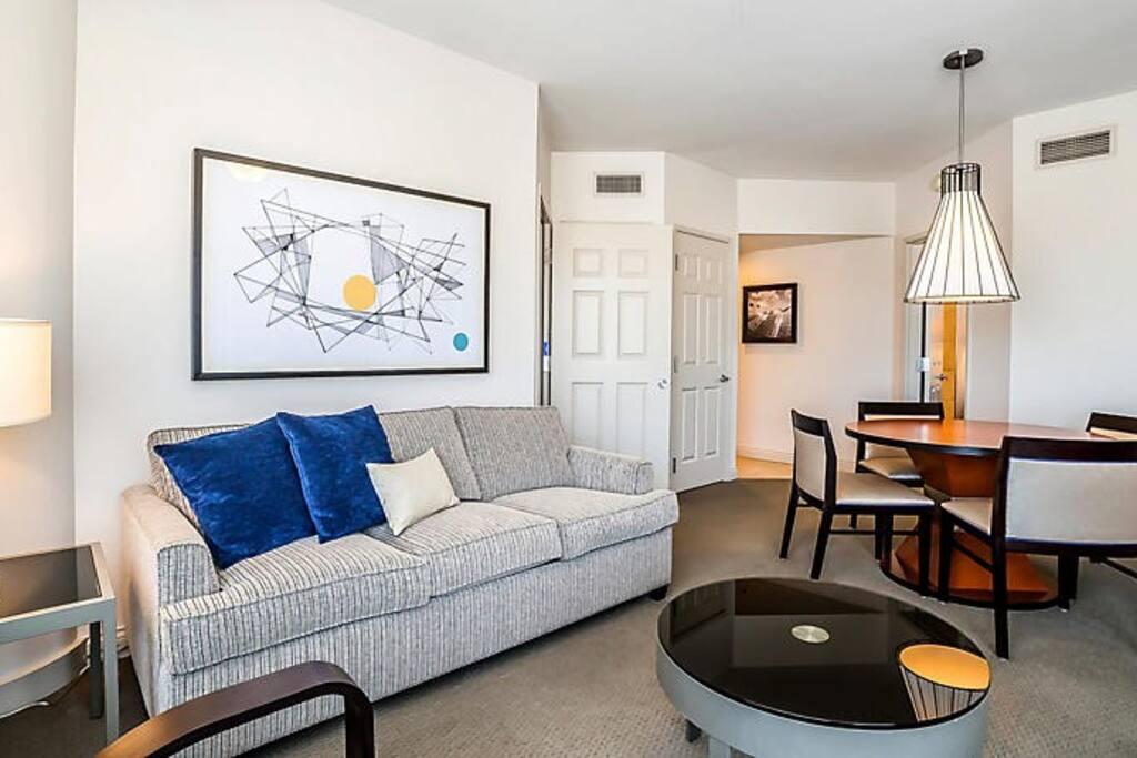 1 Bedroom Deluxe Living Area