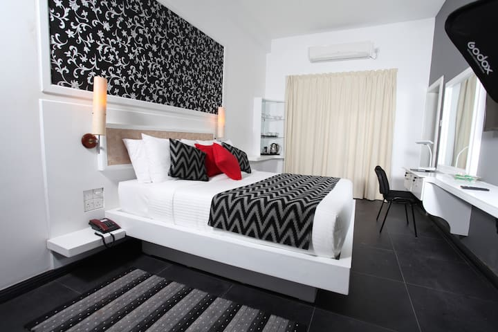 Ayaana Standard Room 202# - Polgolla - 家庭式旅館