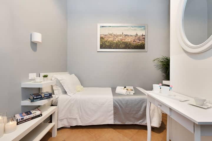 Hotel Infinito-Single Room-Wifi-Colosseo