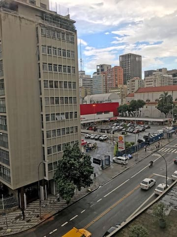 Vista para Extra 24hs e Avenida  Brigadeiro