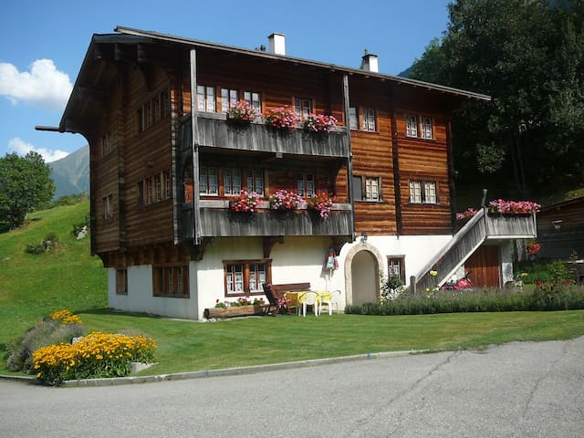 Traditionelles Walliser Haus
