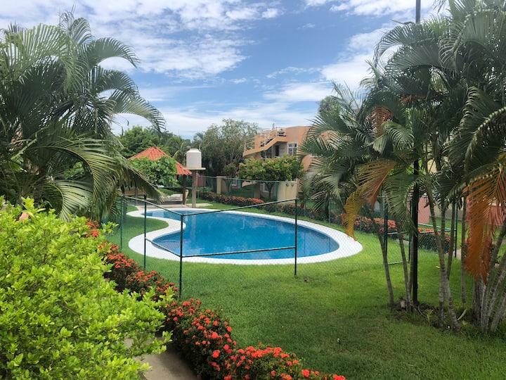 Acogedor Depa + alberca a 5 min d centro de Ixtapa