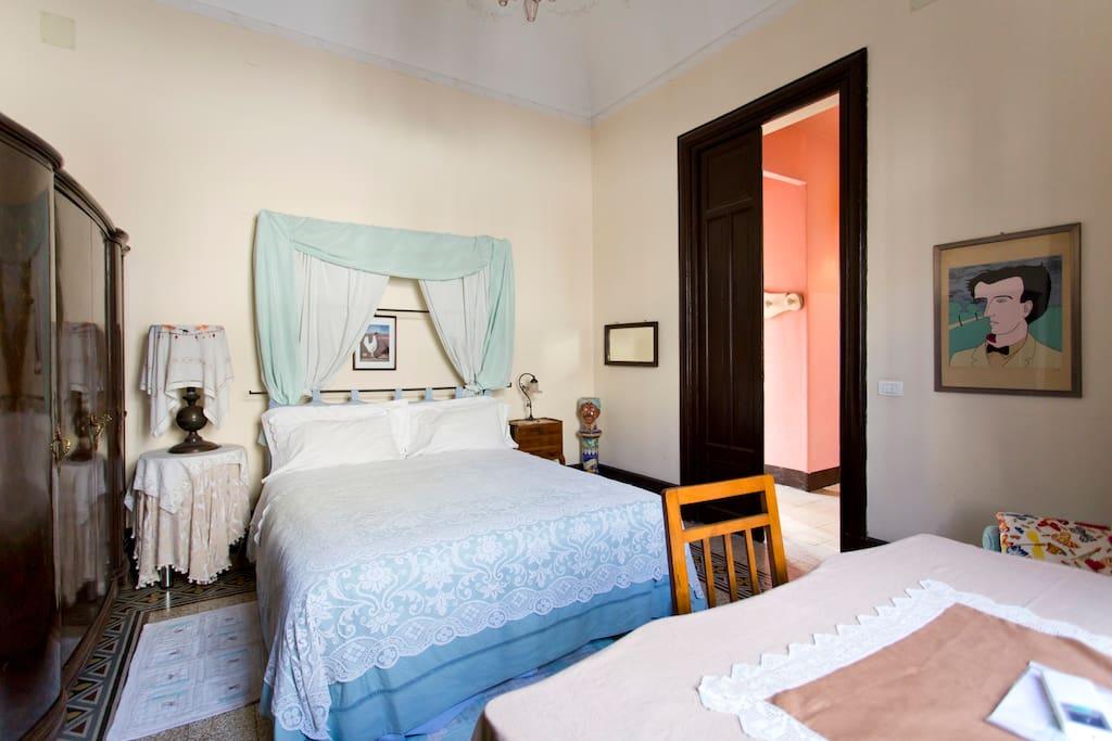 b b centro storico rosella palermo chambres d 39 h tes louer palerme sicile italie. Black Bedroom Furniture Sets. Home Design Ideas