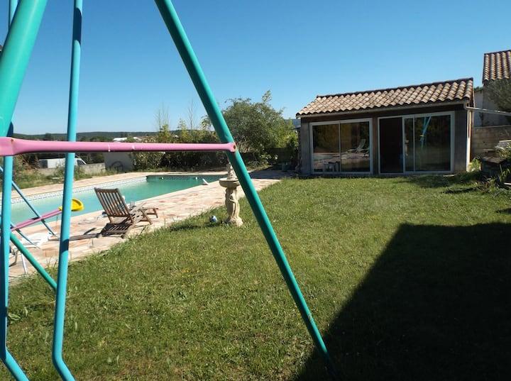 Studio à Ruoms avec piscine privée