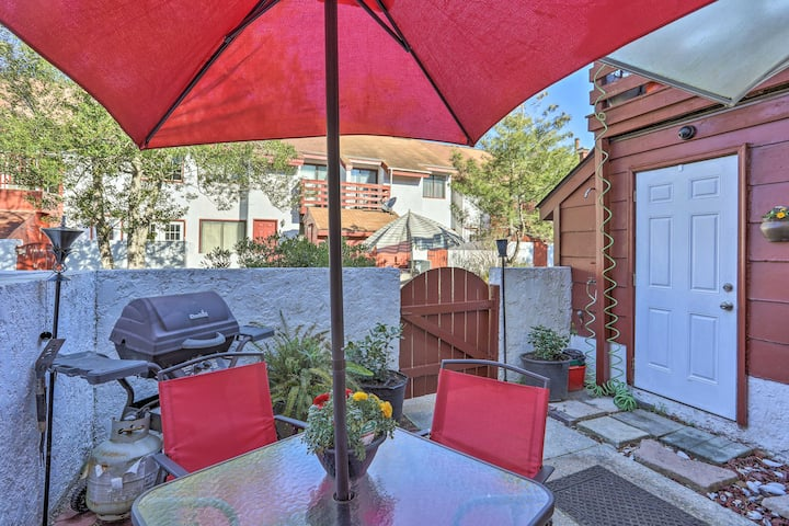 Charming Myrtle Beach Condo w/ Patio-Walk to Beach