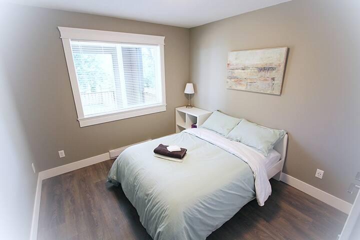 Cozy Room near Nanaimo Hospital
