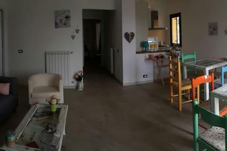 """Benvenuti """"A Casa Mia"""" - Bracciano"""