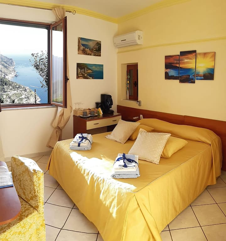 "Ravello Rooms B&B  Accommodation "" sea view room"""