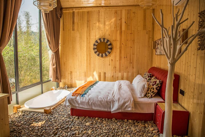 Standalone cabin for 3 people,Yangshuo