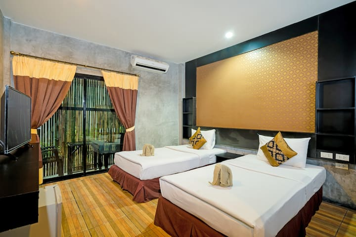 Phi Phi Andaman Legacy Standard Upper Back Side