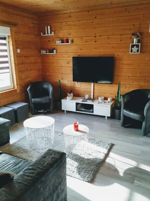Insolite maison bois  ,wifi, au coeur de l'Argonne