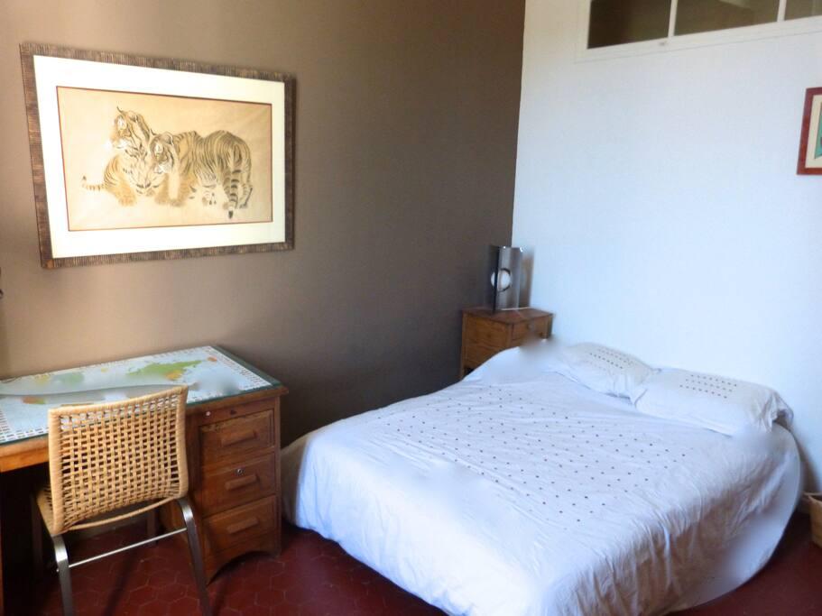 chambre 2 proximit calanques et luminy chambres d 39 h tes louer marseille provence alpes. Black Bedroom Furniture Sets. Home Design Ideas