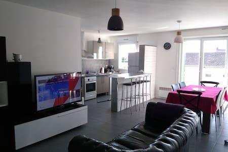 Bel appartement T3 de 75m2 proche Bordeaux