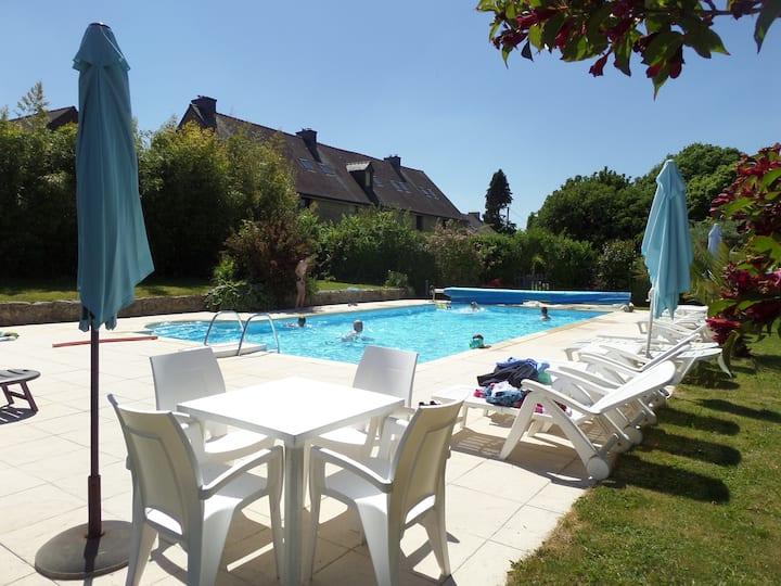 Keranmeriet F, heated pool, beaches 15 mins drive
