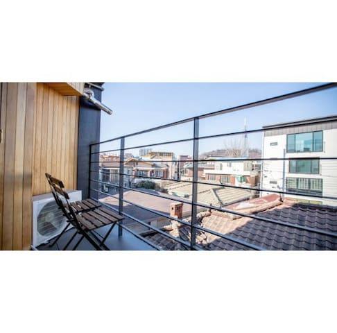 ★JOY HOUSE #2(2rooms + 5min+Balcony+BUDGET)
