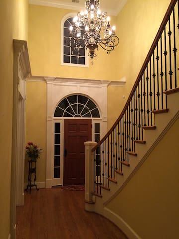 Luxury 3 bedrooms for rent in an 8 bedroom house. - Irmo - House