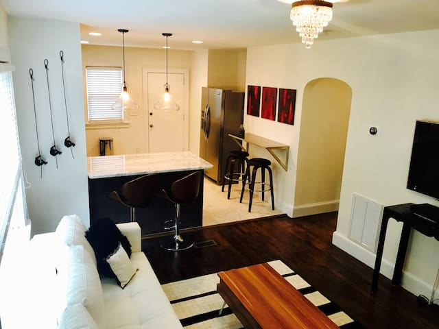 Thoroughly Modern MillHouse: Minutes to Downtown! - Greenville - Hus
