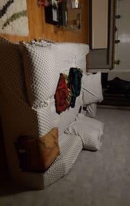 Zimmer gemeinsames Bett zu vermieten 20 Euro