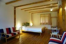 近30平方米的大床房(带卫浴间)