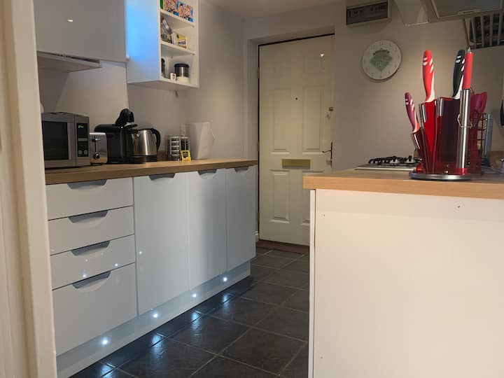 Unique Serviced Apartments Cheltenham