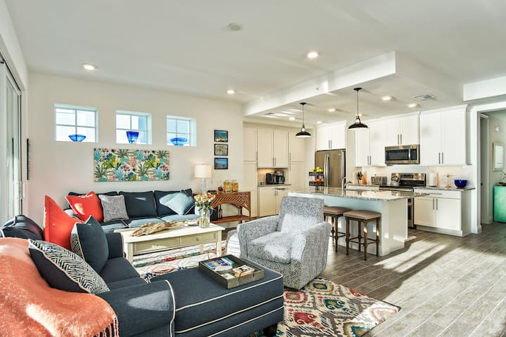 Open floor plan and lots of room for entertaining and relaxing