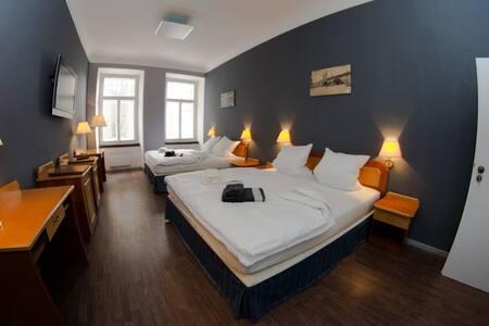 Apartmán pro 4 osoby v centru města - Hradec Králové