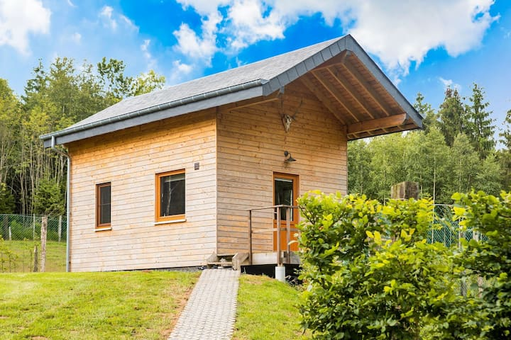 Quaint Chalet in Rogery with Garden, Terrace and Barbecue