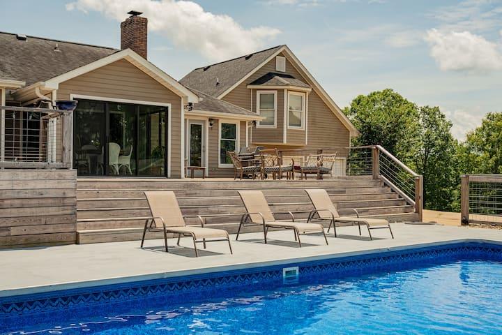 Farmhouse ❤︎ Pool ❤︎Outdoor Events 10 acres