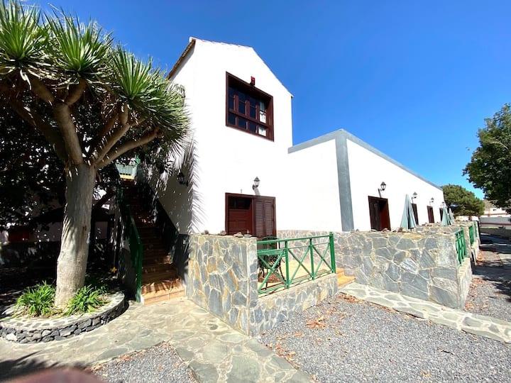 Casa Rural de 2 dormitorios en Finca Canaria