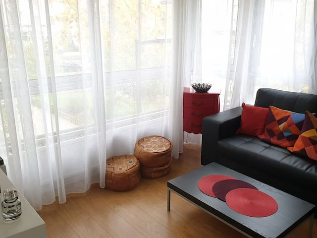 Welcome to a cosy appt at Courbevoie/La Défense.