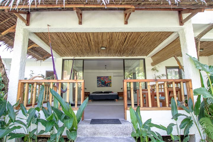 Private Garden Bungalow by White Beach center - Malay - Bungalow