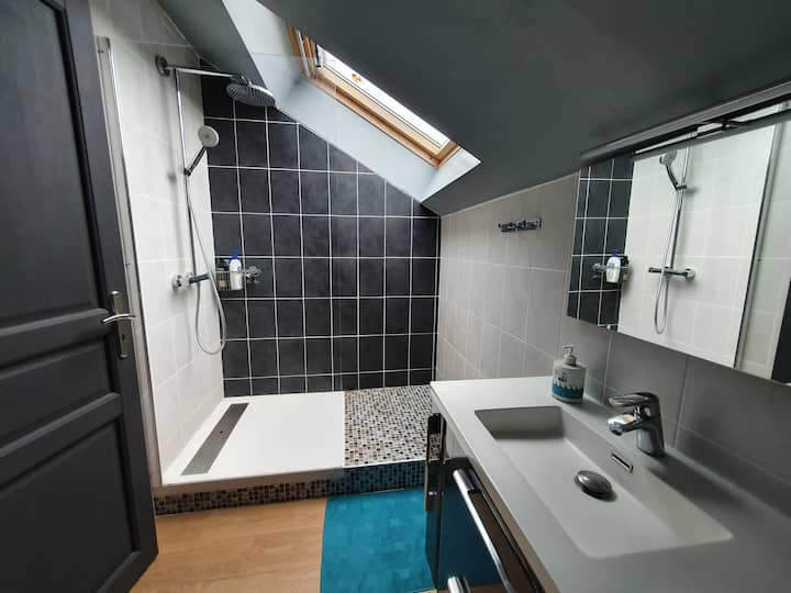 Chambre dans villa avec vue