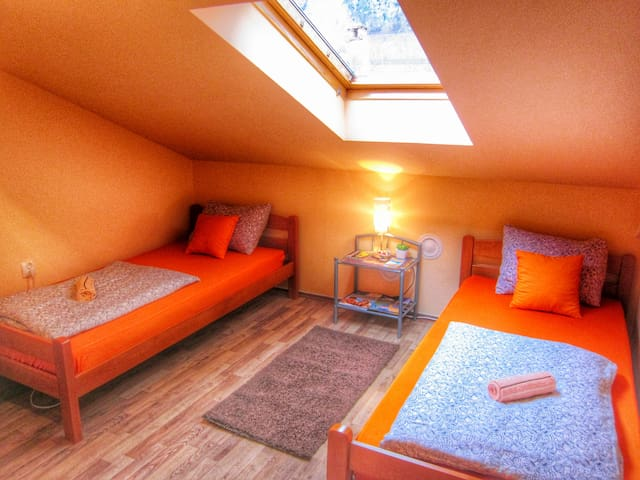 Your cozy room-2 minutes from Old Bridge - Mostar - Casa