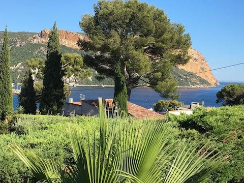 Cassis Calanques, 2 pièces grande terrasse vue mer