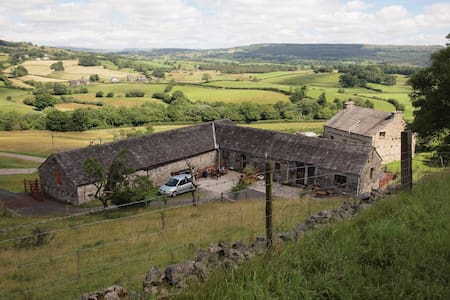 Fellside Barn, spacious, characterful conversion - Cumbria
