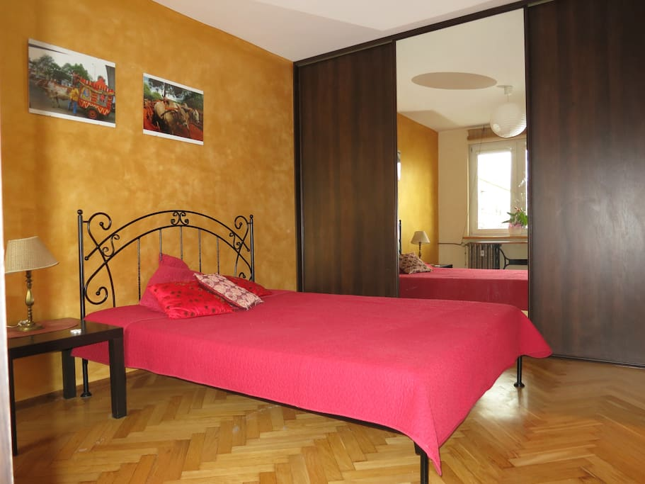 Sypialnia - przestronna szafa